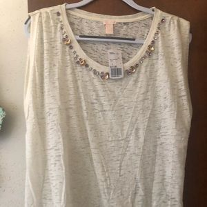 Light weight knot cream top with colored stones